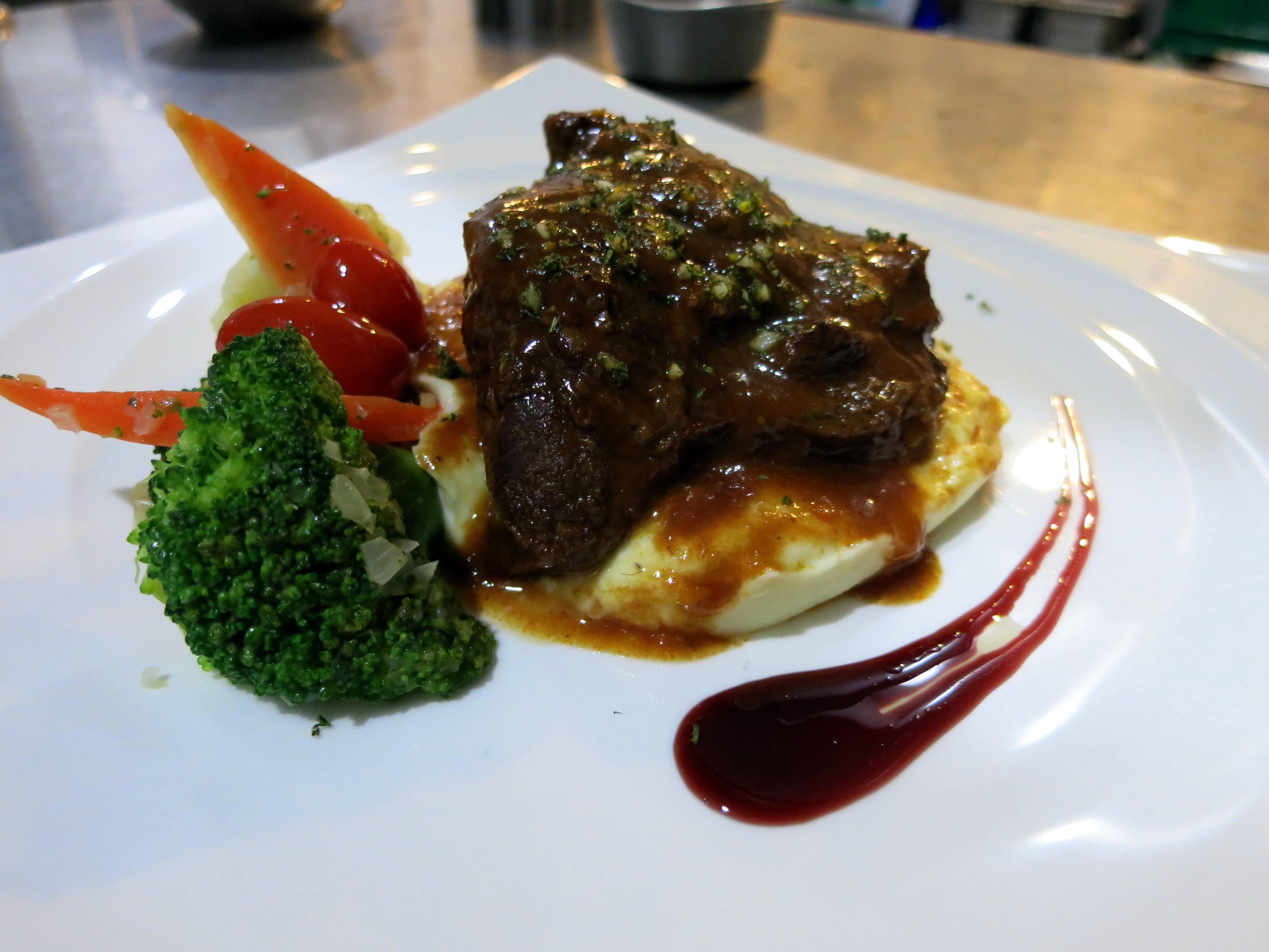 Restaurants That Serve Gr Fed Beef Best